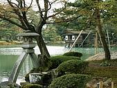 日本金澤兼六園:172兼六園徽珍燈籠~.jpg