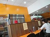 台中.利加咖哩飯(一中店):4.開放式廚房.JPG
