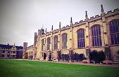 劍橋大學:2018年3月中剛過世的物理學家與宇宙學家霍金,也是三一學院出身。