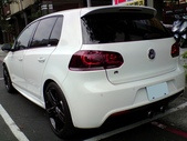Volkswagen R series:Golf R 5D