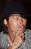 鄭雨盛:鄭雨盛2008-9.jpg