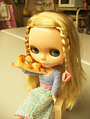 Blythe女兒 小布生活趣事:海鮮PIZZA