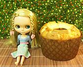 Blythe女兒 小布生活趣事:真真 : 瞄-->可以吃一口嘛