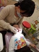 103/3/7,2歲2個多月,幼幼弟弟第一次看牙醫:P_20140307_192616.jpg