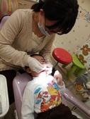 103/3/7,2歲2個多月,幼幼弟弟第一次看牙醫:P_20140307_192617.jpg