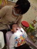 103/3/7,2歲2個多月,幼幼弟弟第一次看牙醫:P_20140307_192620.jpg
