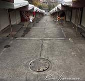 紅葉飄飄15日東京自由行--成田山新勝寺:38●或許是因為平日的關係,出世稻荷社的商店街,沒有營業的跡象,否則...會壞了這座神社的美名.JPG
