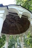 2018印象翻轉的俄羅斯奇幻之旅(5-1)--光明與誨暗層經在此併存的聖艾烏非米夫斯基救世主修道院:24●涼亭內部的天花板也是木造的.JPG