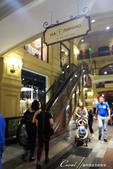 2018印象翻轉的俄羅斯奇幻之旅(2-7)--古姆百貨的西瓜噴泉、冰淇淋與莫斯科河的夜色:11●我們從有著噴水池的中央走道進入百貨公司.JPG