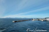 2018加拿大四年一度鮭魚洄遊V.S.洛磯山脈國家公園健走趣(6-1)--BC卑詩渡輪:12●海風涼颼颼,但止不住我們前往甲板瀏覽海上風光的好奇心.JPG