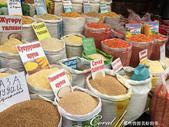 2019Amazing!穿越古絲路上的中亞五國之旅(6-3)--吉爾吉斯斯坦之Osh Bazaar:25●中亞人的飲食大多採用天然食材,比起我們超市裡的加工食品,這一簍簍的穀物種子看起來好健康!.JPG