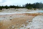 2019自駕隨性之旅(06)--100個死前必去景點之黃石國家公園(黃石湖邊西姆間歇泉盆地篇):16●除了一眼望去無邊際的黃石湖外,位於火山口上方的溫泉、噴氣孔、泥鍋、間歇泉等大大小小的坑洞與斑斕地表也是