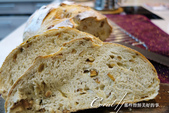 ●幸福食驗室:酒釀桂圓麵包上桌.jpg