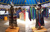 2019夏季內蒙草原風光與貝加爾湖詩意之約(10-1)--結伴到呼倫貝爾草原(上):16●不同場合與不同社會階級也有不同的服飾配件,我們很驚訝於看似生活性不那麼便利的古代蒙古族人,能巧妙運用雙