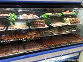 2019Amazing!穿越古絲路上的中亞五國之旅(7-6)--塔吉克斯坦首都杜尚別之烤肉串大餐:07●冷藏櫃裡有各式各樣的醃製肉串、肉片、蔬菜、水果和甜點等提供食客選擇 (3).JPG