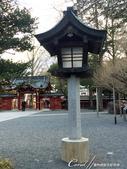 走過2100年歷史的秩父神社:●正殿前的燈.JPG