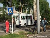 2019Amazing!穿越古絲路上的中亞五國之旅(7-6)--塔吉克斯坦首都杜尚別之烤肉串大餐:03●改裝後的廂型車,成為當地人方便且便宜的交通方式.jpg