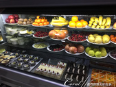 2019Amazing!穿越古絲路上的中亞五國之旅(7-6)--塔吉克斯坦首都杜尚別之烤肉串大餐:07●冷藏櫃裡有各式各樣的醃製肉串、肉片、蔬菜、水果和甜點等提供食客選擇 (2).JPG