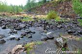 2019夏季內蒙草原風光與貝加爾湖詩意之約(5)--詩意盎然的阿爾山國家森林公園:07●河床由大到小不等的火山岩石組成,偶而幾處湍流經過濺起的水花,形成黑白的對比.JPG
