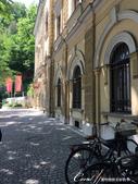 2018不思議之克、斯、義秘境歐遊記(6~3)--中古世紀盧比安納城堡 Ljubljana Cast:05●在有微風徐徐吹來的太陽底下,步行一小段路,欣賞盧比安納舊城區的街景與來往行人品味,是件挺浪漫的事.JPG