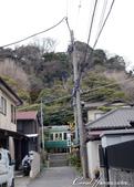2017關東10日樂得自在:●在準備進入御靈神社前,正巧一輛電車經過,巧妙拍下這副畫面.JPG