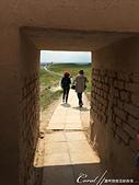 2019Amazing!穿越古絲路上的中亞五國之旅(11-2)--土庫曼斯坦之世界遺產──尼薩遺蹟:14●目光穿透厚的城門,想像當初牆外的明亮與牆內的昏暗豈只一線之隔.JPG