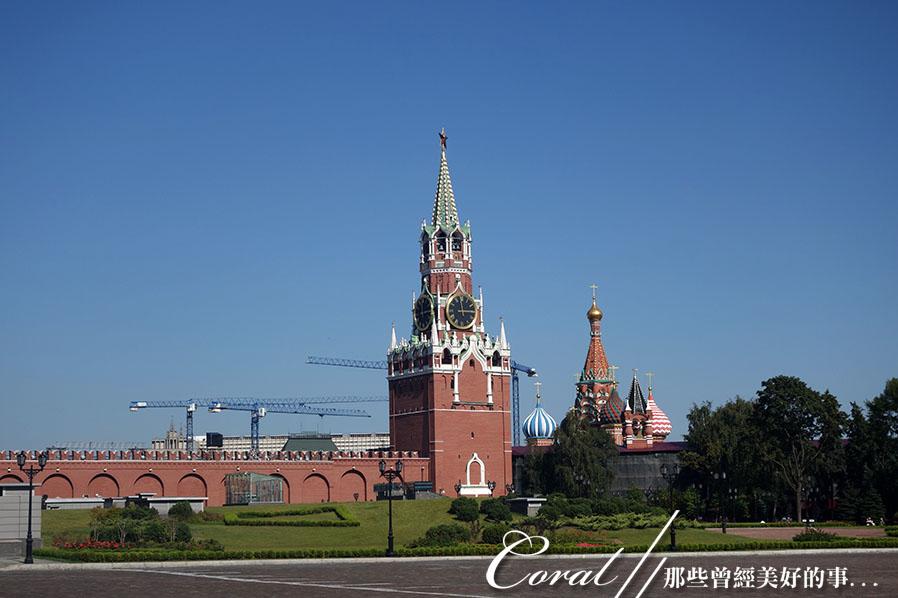 2018印象翻轉的俄羅斯奇幻之旅(2-5)--陰與陽、柔與剛交錯下的莫斯科之心「克里姆林宮」:22●可以俯瞰紅場的救世主塔樓,因為當時的民眾非常喜歡它的造型,並且讚歎這座富麗堂皇的建築,因而成為莫斯科的