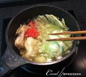 紅葉飄飄15日東京自由行--品味黑毛牛的奢華食光:17●先熬點疏菜湯頭.JPG
