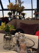 2018印象翻轉的俄羅斯奇幻之旅(3-4)--品味摩登現代感愛麗絲夢遊意境的白兔餐廳:15●窗明几淨的用餐空間,讓人期待即將送上的新穎菜色、創意料理.JPG