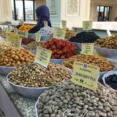 2019Amazing!穿越古絲路上的中亞五國之旅(7-4)--塔吉克斯坦之摩登市集:10●二樓的果乾區,各式各樣的零嘴點心,讓人又一不小心嘴饞了.JPG