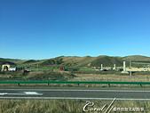 2019夏季內蒙草原風光與貝加爾湖詩意之約(2-2)--顛覆想像之五星期草原風光:12●經濟起飛後,現代化生活也來到了蒙古大草原,現在已少有過著傳統生活的牧民,方便的電力與科技提供當地與過往
