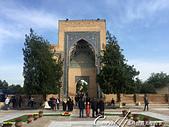 2019Amazing!穿越古絲路上的中亞五國之旅(14-2)--烏茲別克斯坦之三座重要的陵墓:00●拱門的背面不敵幾世紀歲月摧殘,原先精美的琉璃磚已剝落大半,但仍無損它的宏偉.JPG