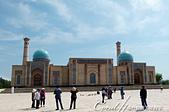 2019Amazing!穿越古絲路上的中亞五國之旅(15-1)--烏茲別克斯坦之哈斯特伊瑪目廣場:01●廣場中最醒目的哈斯特伊瑪目清真寺 Khast Imam Mosque,兩側有一對50公尺高的喚拜塔.JPG