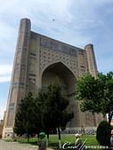 2019Amazing!穿越古絲路上的中亞五國之旅(14-2)--烏茲別克斯坦之三座重要的陵墓:16●當初考古學家開挖其中一座有著圓頂的清真寺時,曾發現兩個大理石石棺,據推論其中兩名穿著盛裝的中年婦女遺體