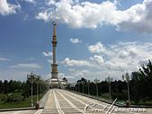 2019Amazing!穿越古絲路上的中亞五國之旅(11-3)--土庫曼斯坦之獨立紀念碑:07●很有氣勢與歷史意義的獨立紀念碑.JPG