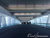 2019自駕隨性之旅(01)--100個死前必去景點之黃石公園我來了!:01●當客機停妥,步出艙門、踏上空橋,再接著前往入境大廳的這段路,像是連接夢想與實際的一個重要環節.JPG