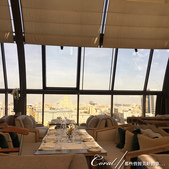 2018印象翻轉的俄羅斯奇幻之旅(3-4)--品味摩登現代感愛麗絲夢遊意境的白兔餐廳:03●玻璃穹頂之外,是鮮明的莫斯科市中心.JPG