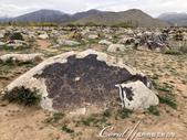 2019Amazing!穿越古絲路上的中亞五國之旅(5-1)--吉爾吉斯斯坦之露天石畫博物館:20●幸運點的;還看得出這是一幅獵人再追補獵物的圖.jpg