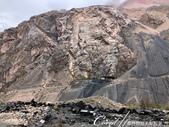 2019Amazing!穿越古絲路上的中亞五國之旅(8-1)--塔吉克斯坦之伊斯坎達爾湖:07●還有些光禿禿、灰鴉鴉的山脈.jpg