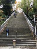 紅葉飄飄15日東京自由行--愛宕神社:06●這條因為曾有武士騎馬上下陡峭石梯後名震天下的「出世の石段」,以能量景點吸引不少上班族前來參拜.JPG