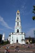 2018印象翻轉的俄羅斯奇幻之旅(6-2)--宛如置身遊樂園的謝爾蓋聖三一修道院:17●等待入內的空檔,我們也趁隙拍了巍峨佇立在修道院內的鐘樓.JPG