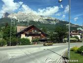 2018不思議之克、斯、義秘境歐遊記(8~1)--陶醉蠆意大利邊境 Dolomites (德洛米堤山:07●當車程進入山區時,窗外的山景變深深擄獲眾人的注意,僅管我們路經無數大大小小的渡假中心,目光也總是集中在