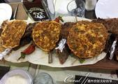 2019Amazing!穿越古絲路上的中亞五國之旅(7-6)--塔吉克斯坦首都杜尚別之烤肉串大餐:01●像接龍一般,一人一套的烤肉串組合就這麼大排場呈現眾人眼前,端上桌的那一刻,無人不驚呼一聲 wow!.jpg