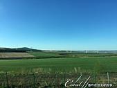 2019夏季內蒙草原風光與貝加爾湖詩意之約(2-2)--顛覆想像之五星期草原風光:11●經濟起飛後,現代化生活也來到了蒙古大草原,現在已少有過著傳統生活的牧民,方便的電力與科技提供當地與過往