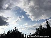 2019自駕隨性之旅(06)--100個死前必去景點之黃石國家公園(峽谷、瀑布篇):18●從下黃石瀑布 Lower Fall繞回 Grand loop Rd時,天空與雲創造了一幅戲劇化的天幕.JPG