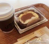 2017關東10日樂得自在:●不過當時我正處於生理期狀態,只好嚐一個有著大象圖案的巧克力蛋糕捲.JPG