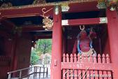 紅葉飄飄15日東京自由行--大猷院:●一左一右;阿形與哞形金剛力士像坐鎮的仁王門02.JPG