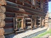2018印象翻轉的俄羅斯奇幻之旅(5-3)--散發古老歲月味道的木造建築博物館與農民生活博物館:22●早期農民應付寒冬的方式除了生火取暖外,門窗較小也是避免冷風灌入的原因.JPG