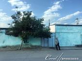 2019Amazing!穿越古絲路上的中亞五國之旅(8-3)--塔吉克斯坦之謝赫‧穆斯里希丁陵墓:03●進入市區前的苦盞印象──少有民族風味的建物、與著傳統衣飾的長者與婦女,顯然這裡是自古至今經過多民族融合