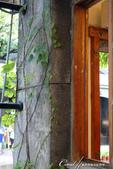 華山文創園區的窗窗景景:華山文創園區的窗窗景景06.jpg